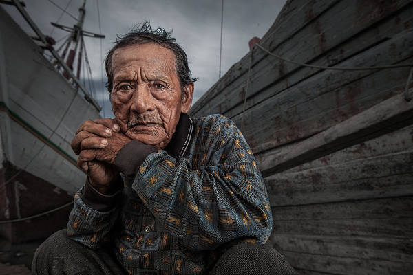 Ken Photograph - Jakarta Shipyard by Ken Koskela