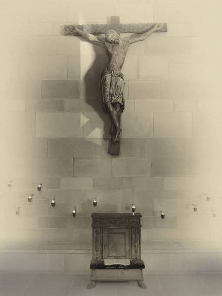 Jesus Of Nazareth Wall Art - Photograph - Jesus On The Cross Chapel Icon by Daniel Hagerman