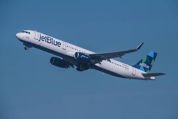 Jetblue Wall Art - Photograph - jetBlue Airbus A321 by Erik Simonsen