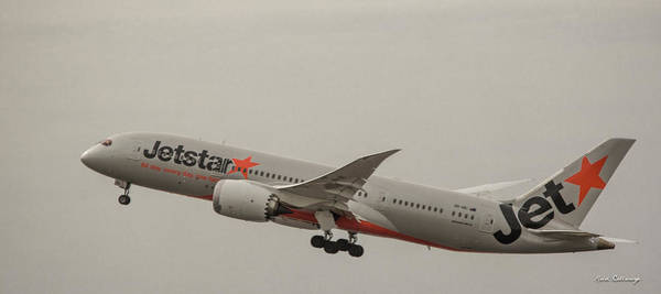 Photograph - Jetstar Airways Vh Vki Boeing 787 8 Dreamliner Honolulu Hawaii Art by Reid Callaway
