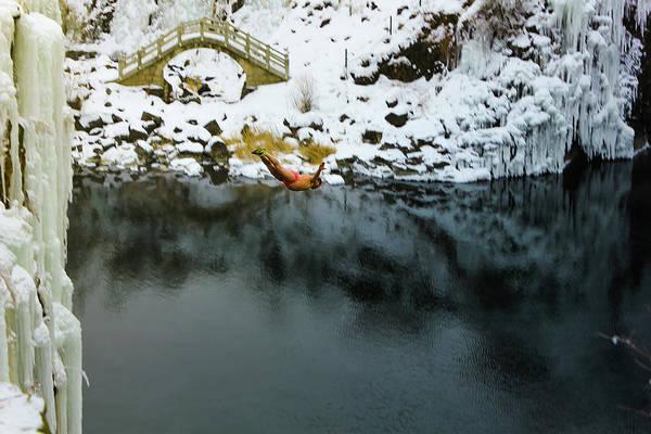 Photograph - Jingpohu Diver II by William Dickman