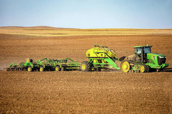 Cultivated Wall Art - Photograph - John Deere 9560 Rt by Todd Klassy