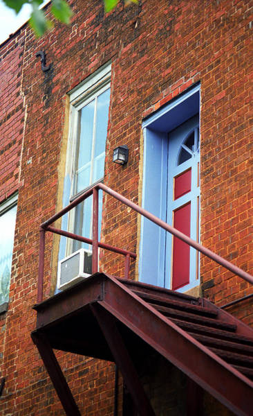 Photograph - Jonesborough Tenessee - Upstairs Neighbors by Frank Romeo