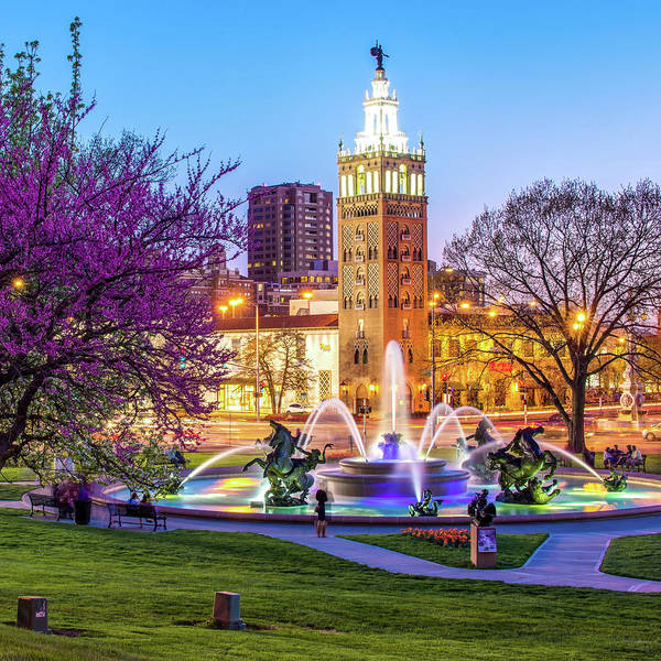 Country Club Plaza Photograph - Kansas City Plaza And J.c. Nichols Memorial Fountain - Kansas City by Gregory Ballos