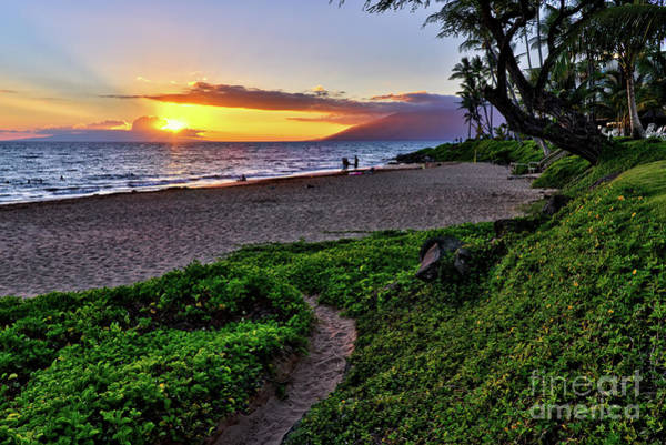 Photograph - Keawakapu Beach by Eddie Yerkish