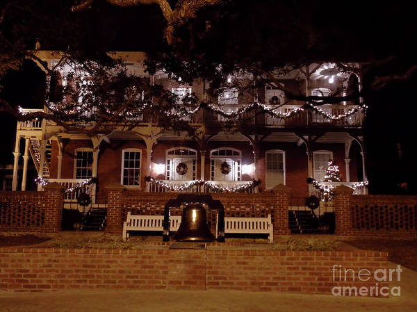 Photograph - Keepers Cottage Night Of Lights by D Hackett