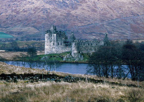 Photograph - Kilchurn Castle, Scotland by Kenneth Campbell