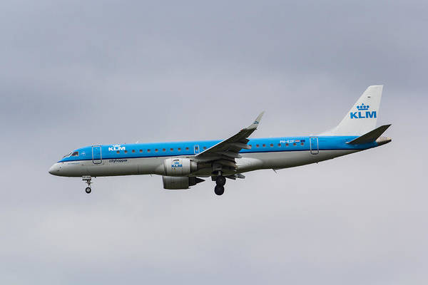 Wall Art - Photograph - Klm Embraer 190 by David Pyatt