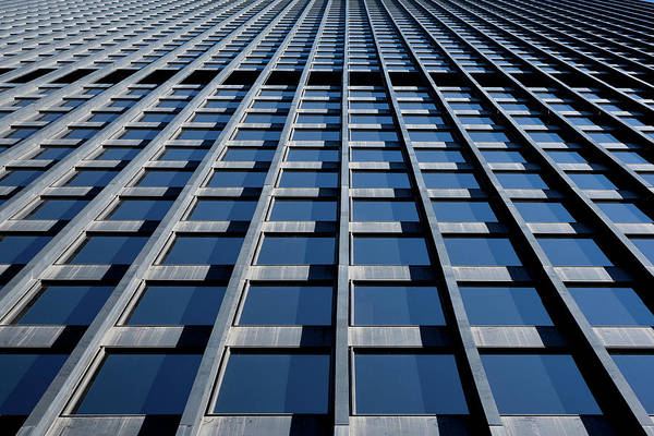 Wall Art - Photograph - Kluczynski Federal Building Chicago by Steve Gadomski