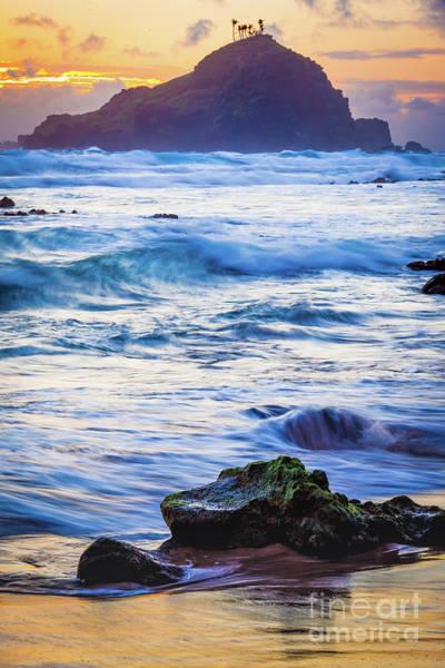 Photograph - Koki Beach Sunrise #4 by Inge Johnsson