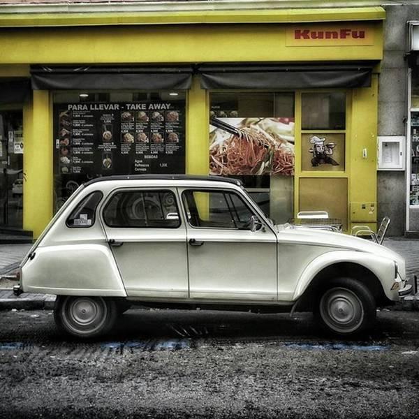 Car Photograph - Kunfu Car #2cv #dyane #dyane6 by Rafa Rivas