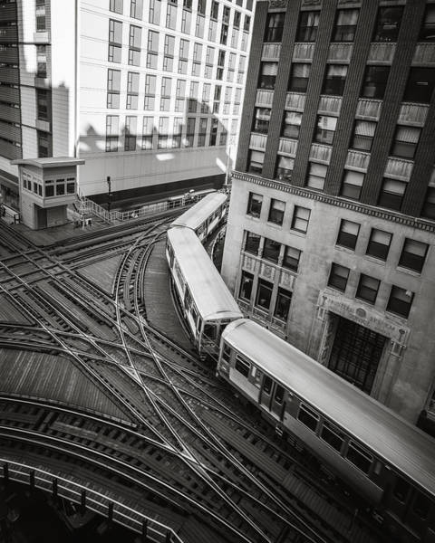 Photograph - L Train In Chicago by James Udall