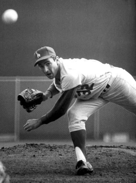 Baseballs Photograph - L.a. Dodgers Pitcher Sandy Koufax, 1965 by Everett