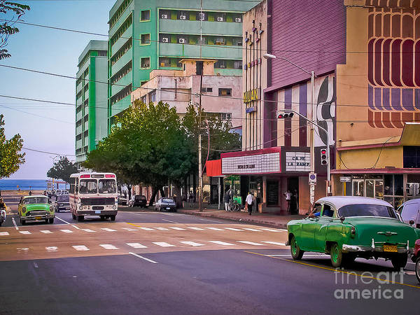 Photograph - La Habana - Calle 23 - La Rampa - Vedado by Carlos Alkmin
