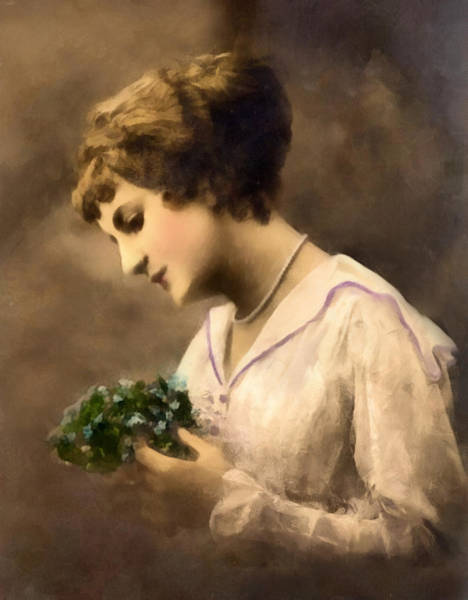 Digital Art - Lady Vintage by Isabella Howard