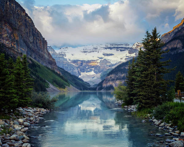 Turquoise Lake Photograph - Lake Louise Summer Morning by Joan Carroll