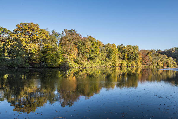 Photograph - Lake Roland In Baltimore Maryland In Autumn by William Bitman