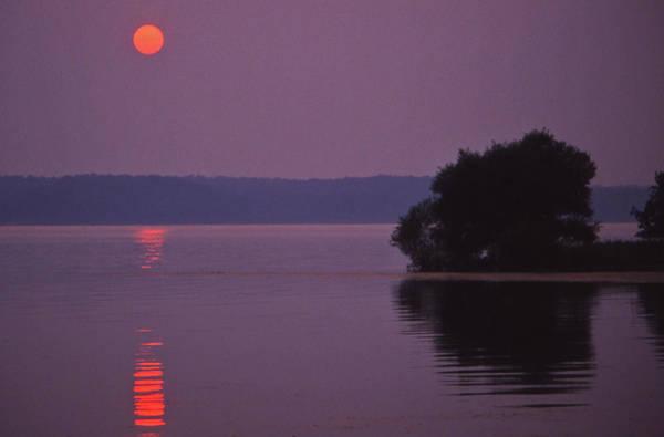 Land-between-the-lakes Sunset - 1 Art Print by Randy Muir