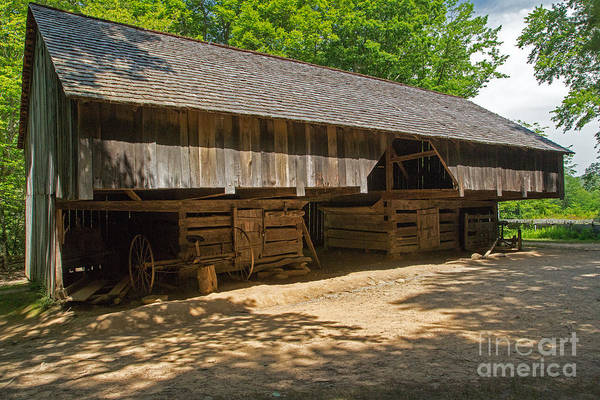 Photograph - Laquire Cantilever Barn by Fred Stearns