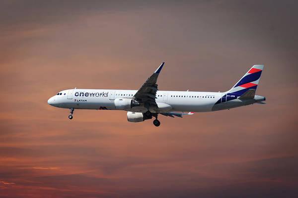 Wall Art - Photograph - Latam Brasil Airbus A321-211 by Smart Aviation