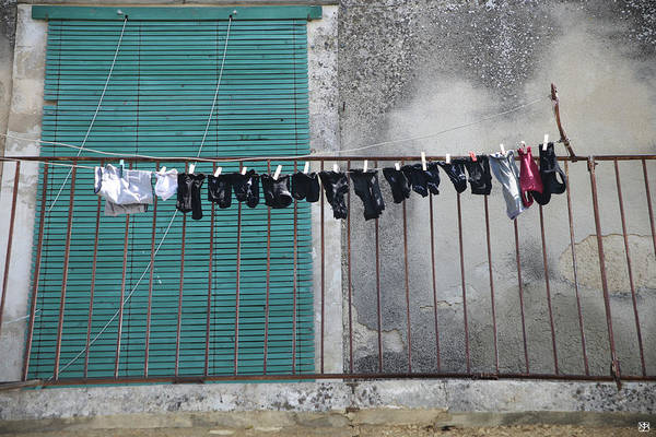Photograph - Laundry by John Meader