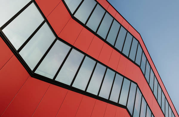 Lines Photograph - Leading Red by Gerard Jonkman