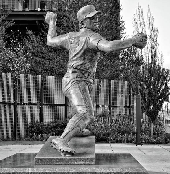 Photograph - Lefty - Phillie Steve Carlton In Black And White by Bill Cannon