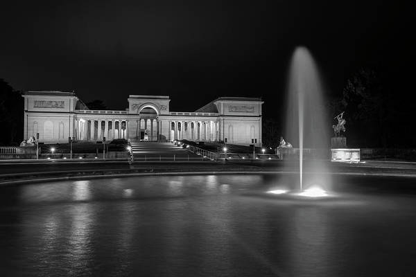 Photograph - Legion Of Honor San Francisco Ca Black And White by Toby McGuire