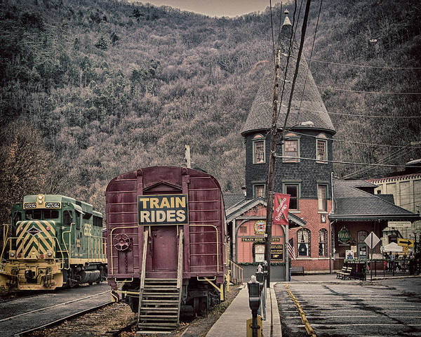 Photograph - Lehigh Gorge Scenic Railway by Frank Morales Jr
