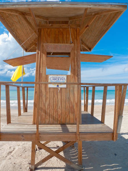 Balneario Wall Art - Photograph - Lifeguard Hut On The Beach by George Oze