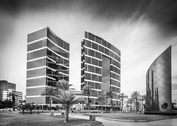 Photograph - Lima Buildings by Gary Gillette