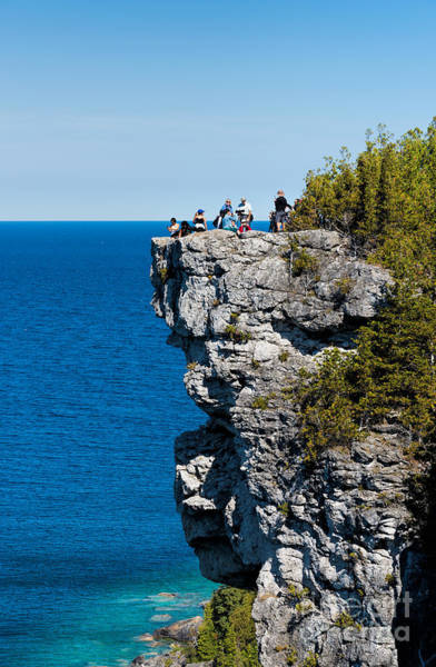 Photograph - Lions Head Lookout In Tobermory by Les Palenik