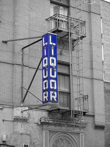 Photograph - Liquor Store Nyc by Richard Reeve