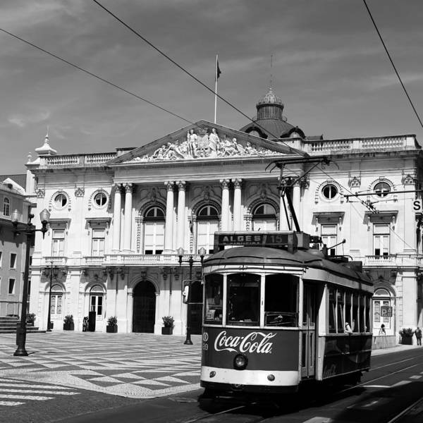 Photograph - Lisbon Trolley 2b by Andrew Fare