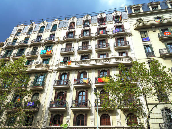 Photograph - Living Large In Barcelona by John Rizzuto