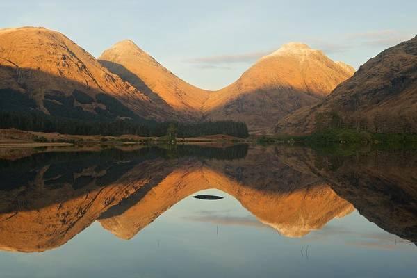 Photograph - Lochan Urr Sunset by Stephen Taylor