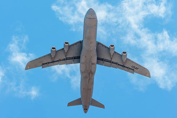 Photograph - Lockheed Martin C5 Galaxy Overhead by SR Green