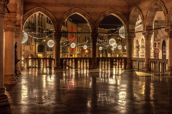 Photograph - Loggia Del Lionello At Christmas Time by Wolfgang Stocker