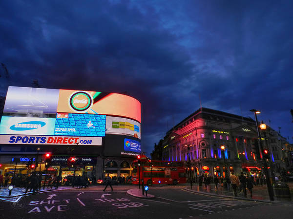 Photograph - London 019 by Lance Vaughn