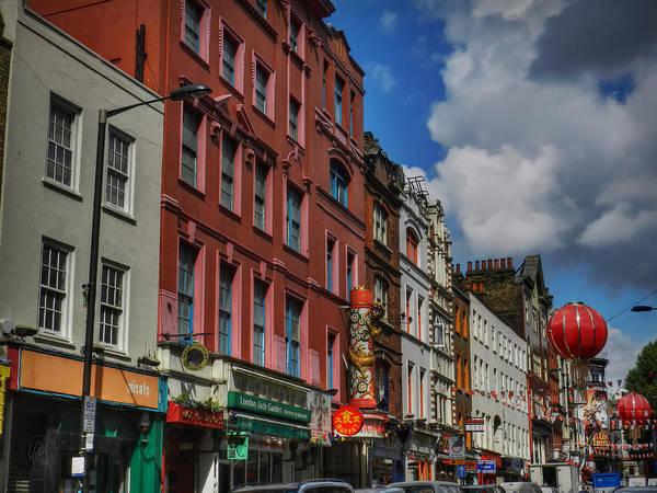 Photograph - London 041 by Lance Vaughn