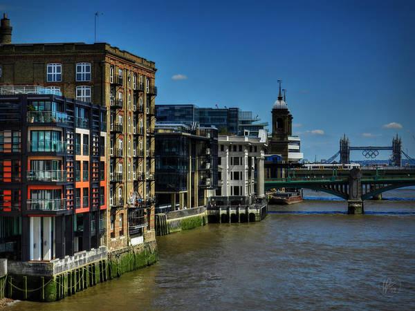 Millenium Photograph - London 076 by Lance Vaughn