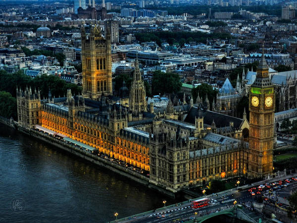 Photograph - London 105 by Lance Vaughn