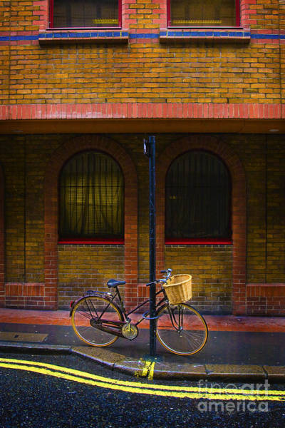 Photograph - London Bicycle by Craig J Satterlee