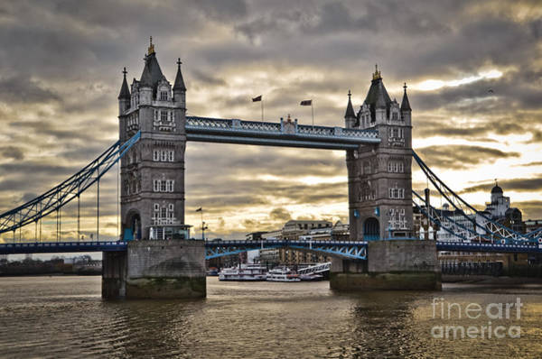 Photograph - Uk - London Icons - A Black Cab And The Tower Bridge by Carlos Alkmin