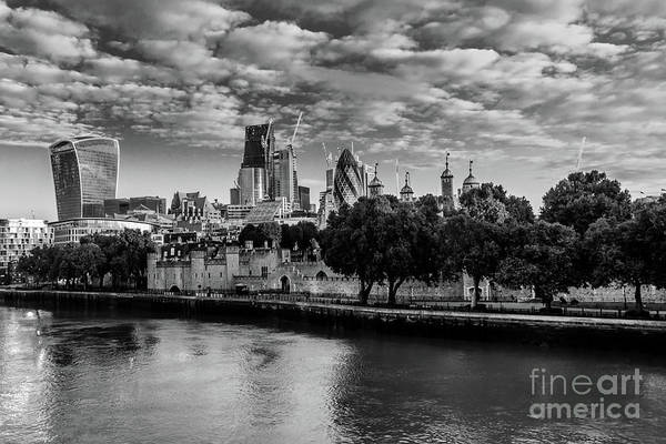 Photograph - Tower Of London. by Nigel Dudson