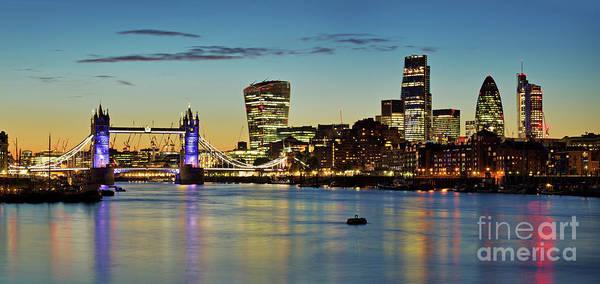Arriva Photograph - London Skyline by David Bleeker