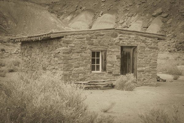 Photograph - Lonely Dell Settlement Building by Teresa Wilson