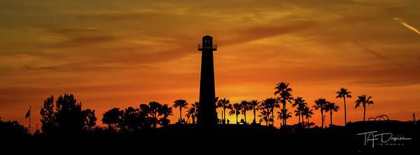 Photograph - Long Beach Lighthouse by T A Davies