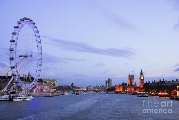 Wall Art - Photograph - Looking Down The Thames by Paul Quinn
