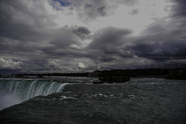 Photograph - Looking Over Horseshoe Falls by Judy Hall-Folde